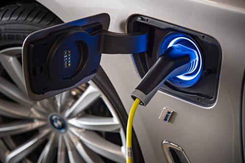 Visa tiesa apie hibridinius automobilius: 5 mitai ir faktai