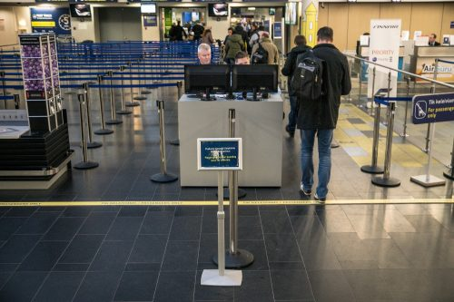 Gera žinia Vilniaus oro uosto keleiviams – eilėse stovėti tenka trumpiau