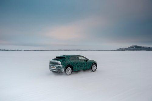 """Patvirtinta: elektrinis """"Jaguar I-Pace"""" išbandytas -40°C šaltyje ir įsikrauna per 45 minutes"""