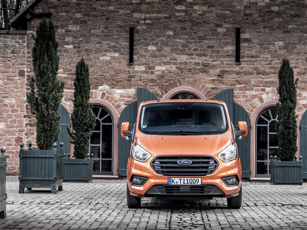 """""""Ford"""" komercinių pardavimas: Europoje ir vėl pirmi"""