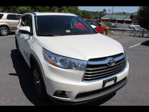 Toyota Highlander 2016 model.