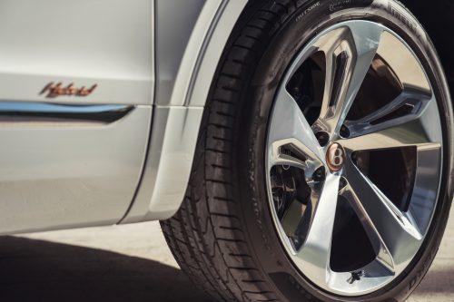 """Hibridinė """"Bentley"""" ateitis: kokios naujovės ir pokyčiai laukia?"""