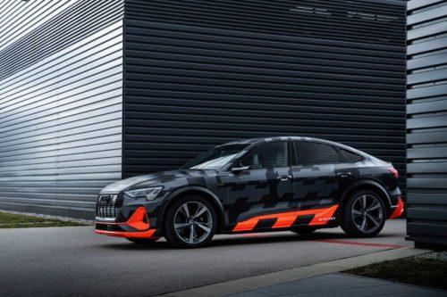 """Dinamiškas, manevringas ir elektrinis: """"Audi"""" pristato koncepcinę """"e-tron"""" S modelių pavarą"""