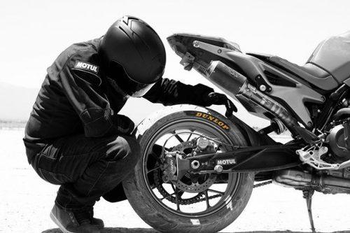 Motociklų padangos CONTINENTAL, filtrai, akumuliatoriai ir kt.