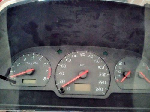 Volvo v 40 dalimis ,2000  metu 1.6 benzinas