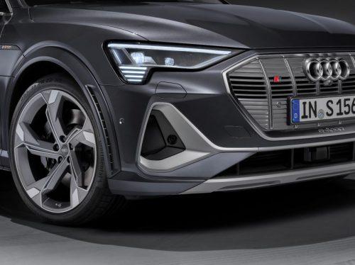"Novatoriški, dinamiški ir elektriniai: ""Audi e tron S"" ir ""Audi e tron S Sportback"""