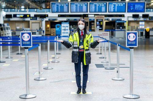 Primename: į oro uostus – tik su apsaugine veido kauke