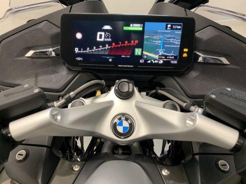 """BMW pristatė atnaujintą kelionių motociklą """"R 1250 RT"""""""