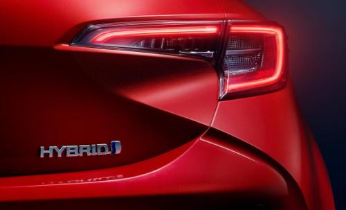 Ar verta persėsti į hibridinį automobilį?