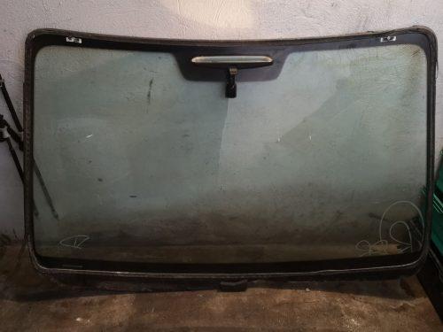 Parduodu Mazda 6 2004 m. priekinį stiklą (orginalus)