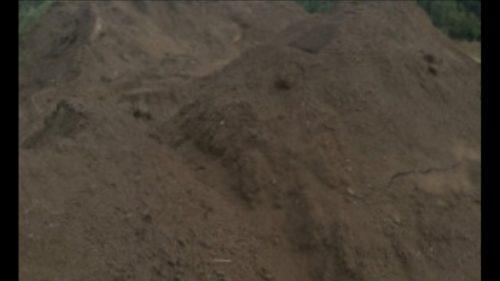Atvežu juodžemį, smėlį, žvyrą, skaldą, betoną, atsijas, dolomitą