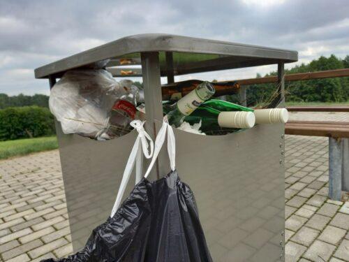 Kelininkai fiksuoja augančius atliekų kiekius poilsio aikštelėse: daugiausia šiukšlių – po savaitgalių