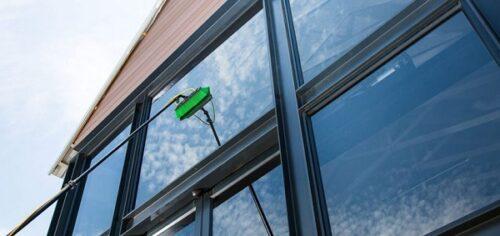 Kaip išvalyti langus po statybų?